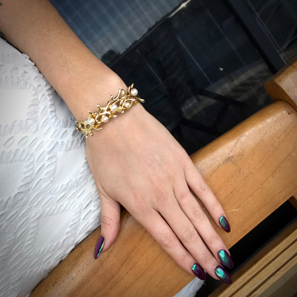 Coral Pearl Bracelet Gold  >> ON SALE NOW!!