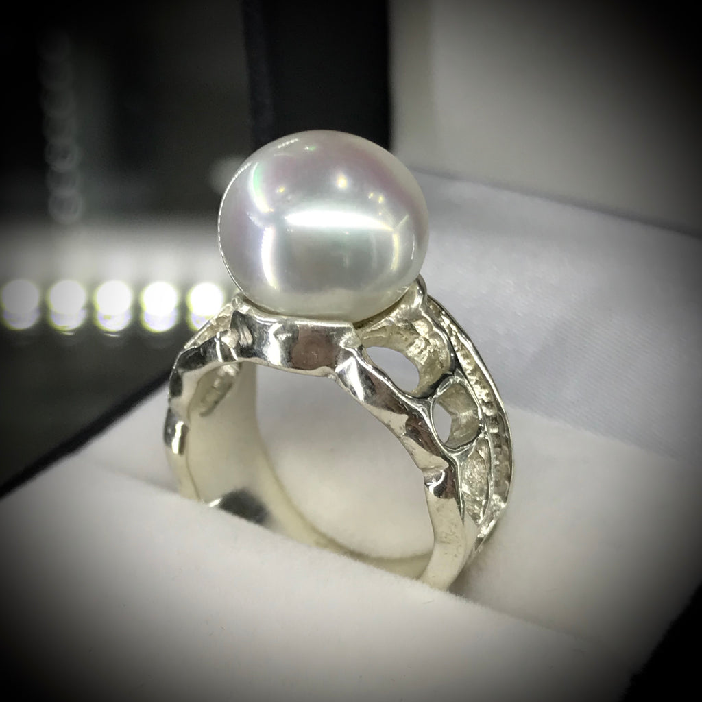 Broome Pearl 9ct White Gold Ring