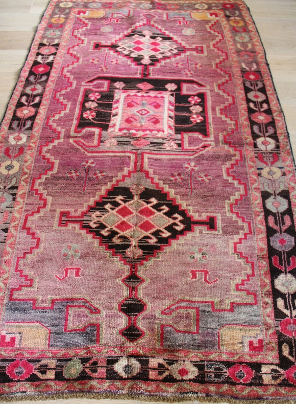 No. 0082 Pink Lady Antique Persian Rug (4'2 x 7'2)