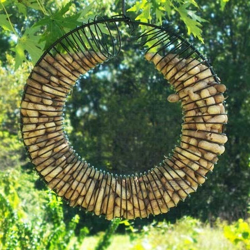 Whole Peanut Wreath Feeder, Black