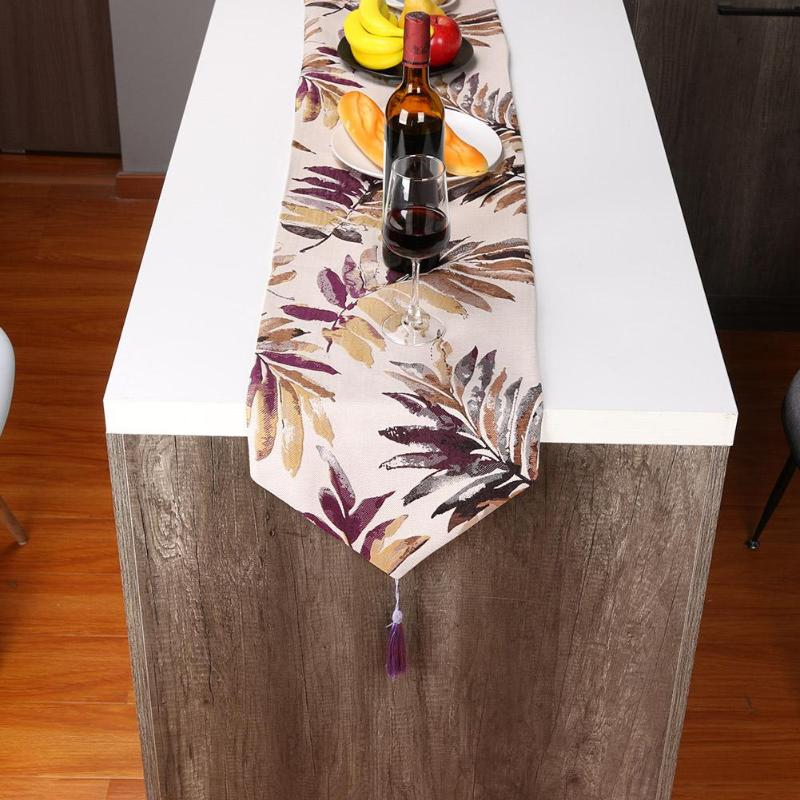 Retro Tassel Jacquard Table Runners