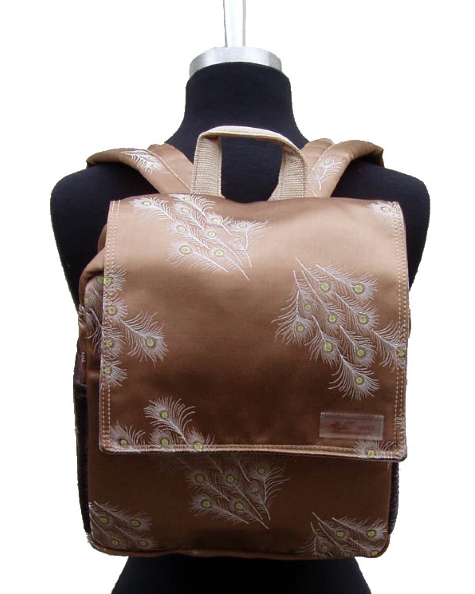 Buzz Silk Backpack - Feather print