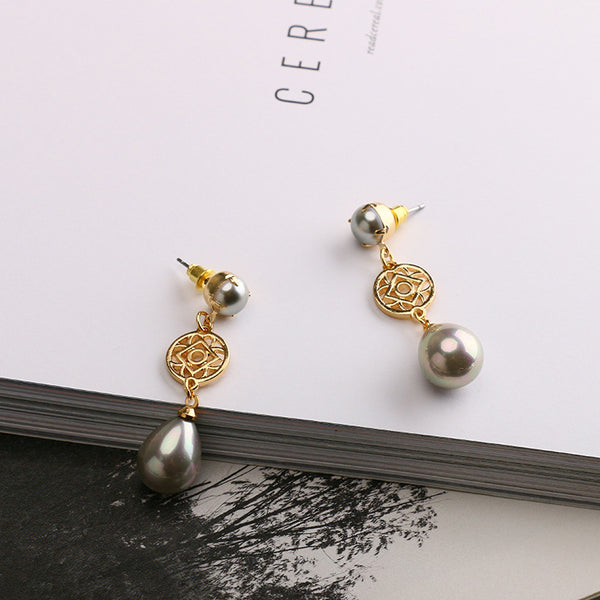 The chandelier pearls