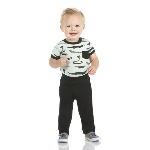 Kickee Pants Print Short Sleeve Pocket One Piece & Pant Outfit Set in Aloe Reptiles
