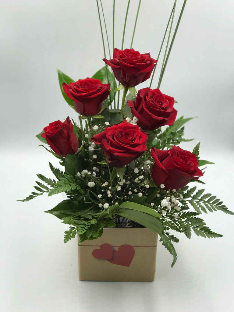 Posy Box of 1/2 Dozen Red Roses