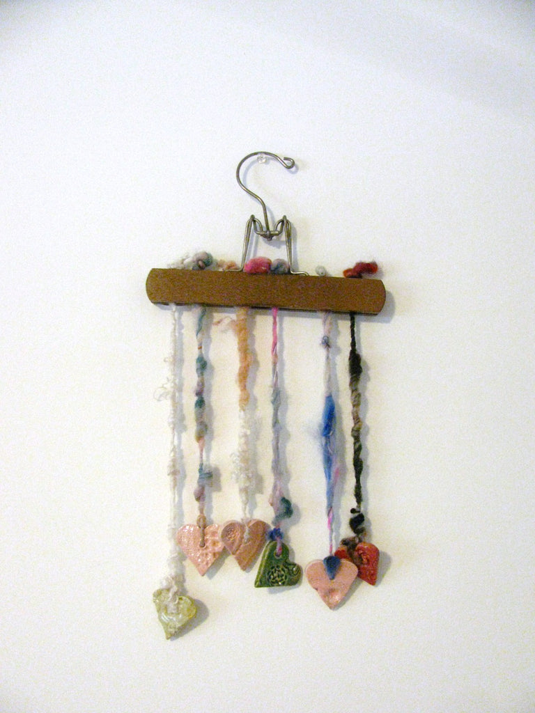 HANGING HEARTS display (Free Handspun Project)