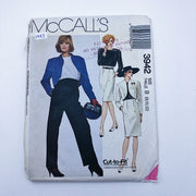 Sewing Pattern - Women - McCall's 3942