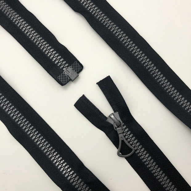 "26"" Plastic Molded Zipper - Separating - Black / Silver Coloured - Individual"