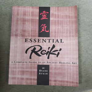 Essential Reiki by Stein Stein ( Used - Good Condition )