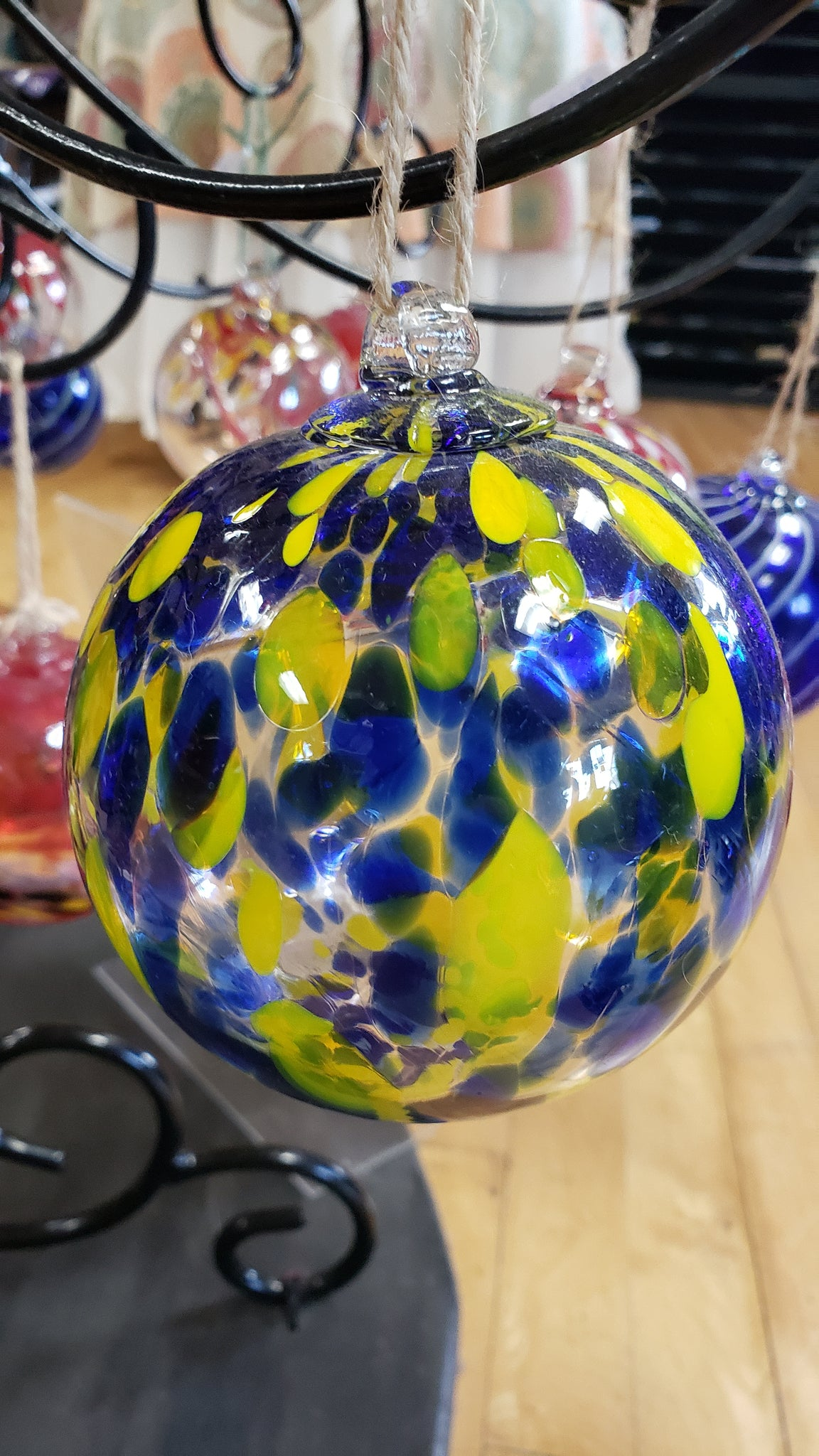 Blue and Yellow Spotted Fella Gazing 4 inch - Tree Of Life Shoppe