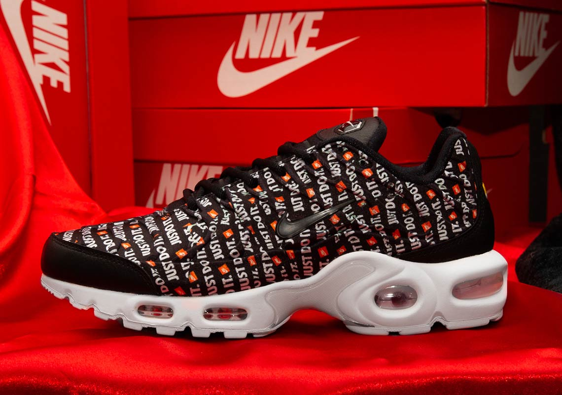 "1f976441c22 Nike Air Max Plus ""Just Do It"" Color  Total Orange White-BlackStyle"
