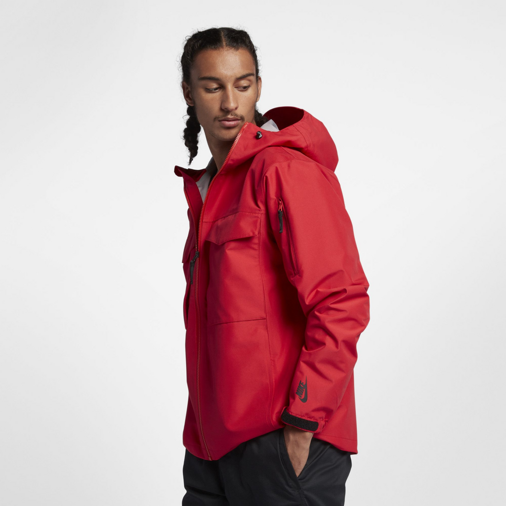 NikeLab Collection Wet Reveal Jacket (AA1135-688)