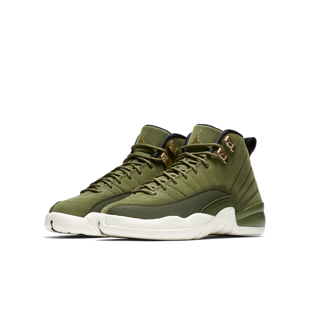 59c7240213eb2f Nike Air Jordan 12 Retro (GS) Chris Paul Class of 2003 (153265-301)
