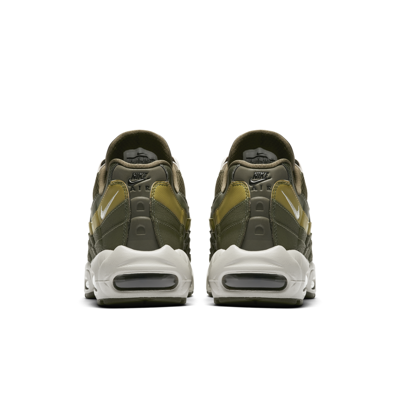 Nike Air Max 95 Essential (749766-303)