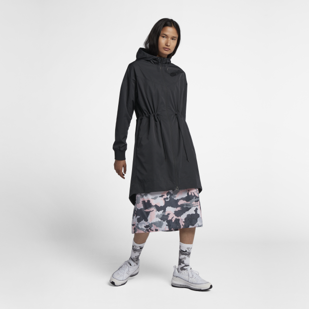 Nike Wmns Sportswear Shield Windrunner Jacket (932060-010)