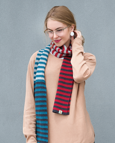 SCARVES - SHE'LL STOP TRAFFIC - LAMBSWOOL -  -