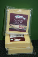 Load image into Gallery viewer, True Organic CHEDDAR 200g block
