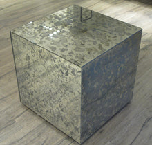 Load image into Gallery viewer, PP-Eloy Antique side table
