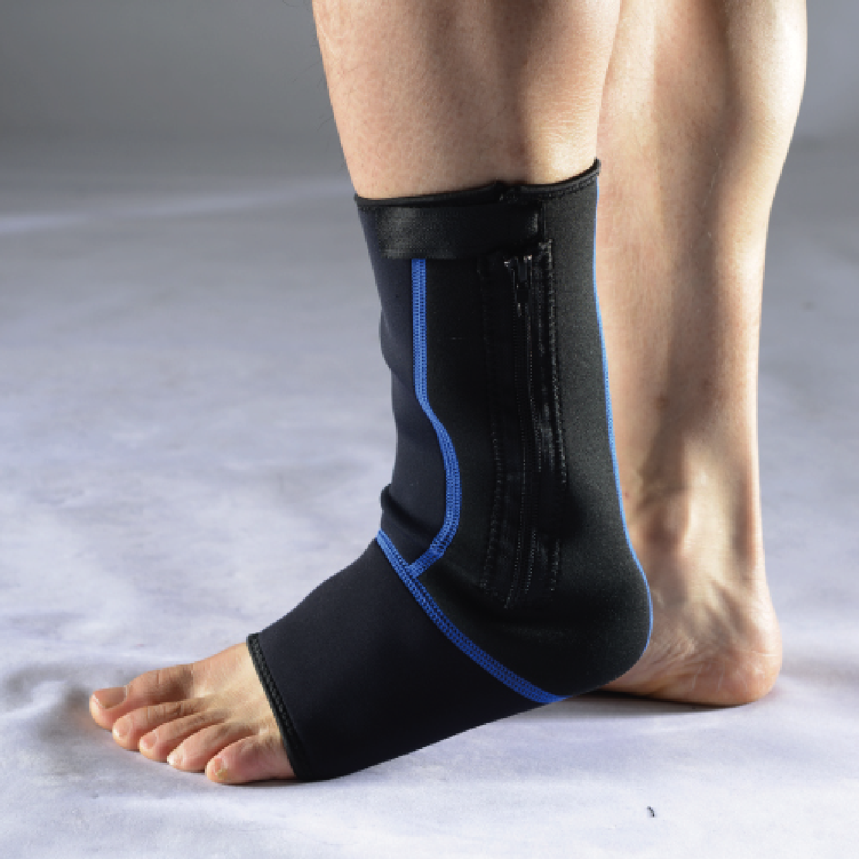 Liveup Sports Nylon & Spandex Ankle Support - L/XL - only5pounds.com
