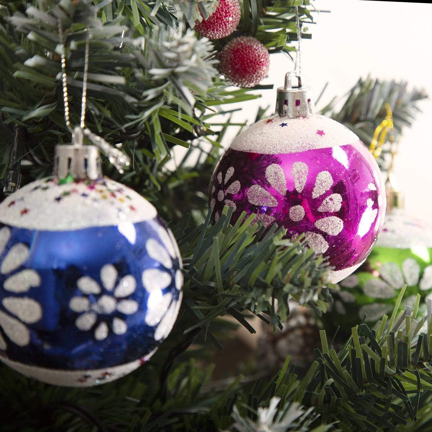 Hand Painted Baubles (6cm) - Set of 6 - only5pounds.com