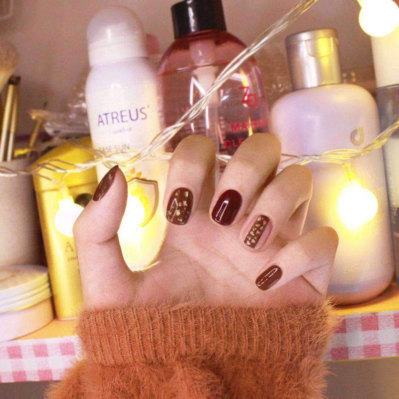 Chic Gold Foil Magic Press On Nail Manicure
