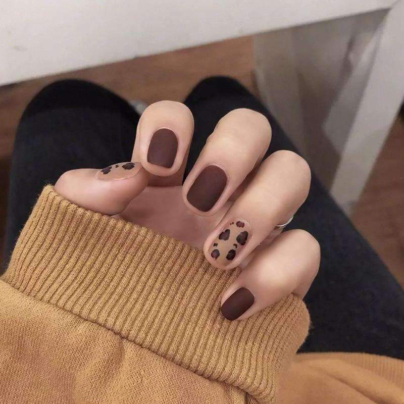 Cheetah Leopard Print Magic Press On Nail Manicure