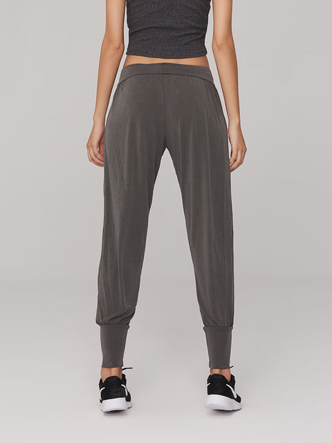 Relaxed Fit Model Breathable Comfort Jogger Pants gallery 2