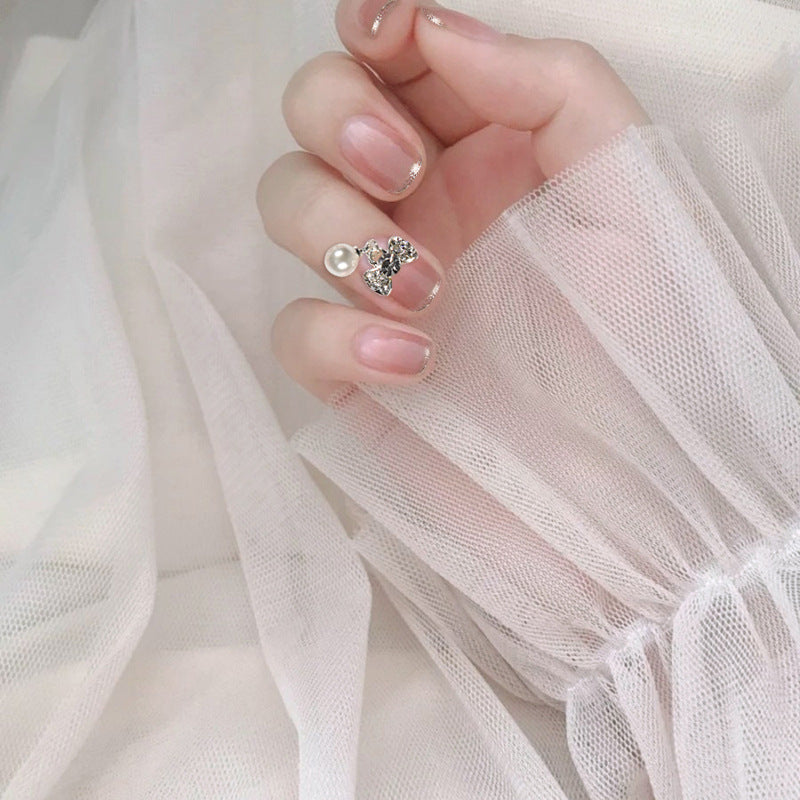 Pearl Attached Magic Press On Nail Manicure