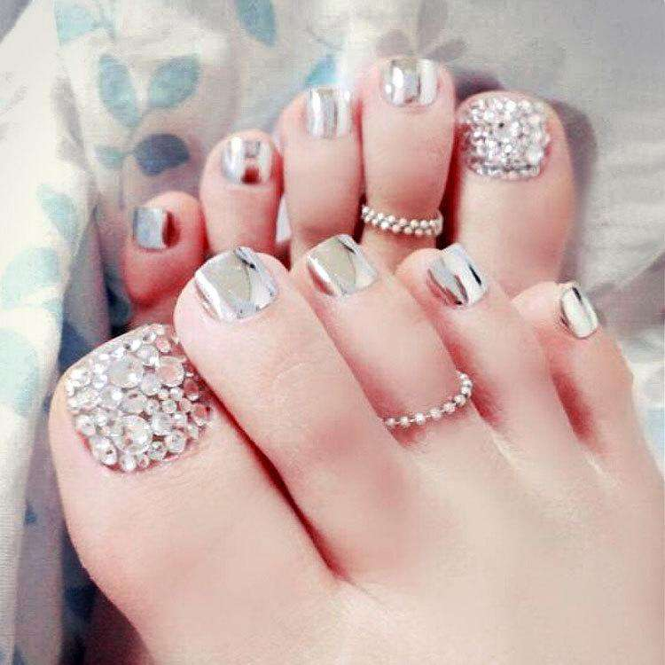 Silver Vapour Press On Nail Pedicure
