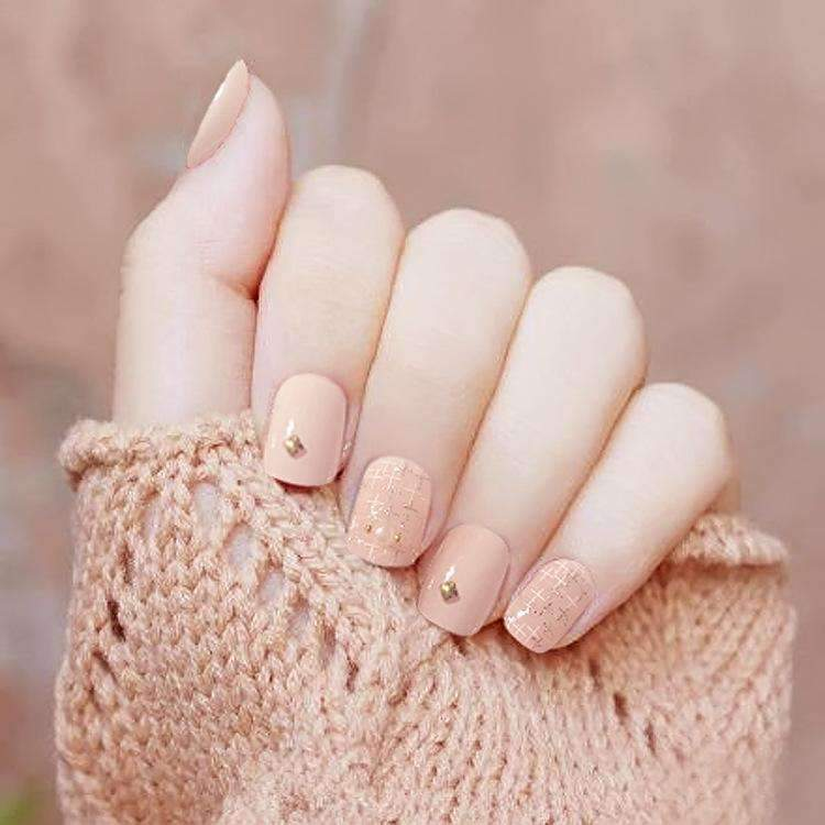 Cross Chiffon Magic Press On Nail Manicure