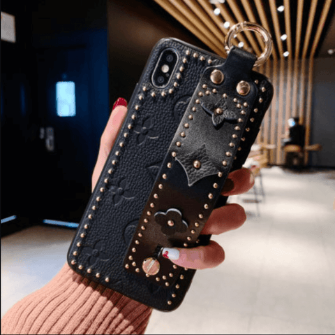 Chic Rivet Designed Four Leaf Clover Phone Case for Samsung with Wrist Strap gallery 8