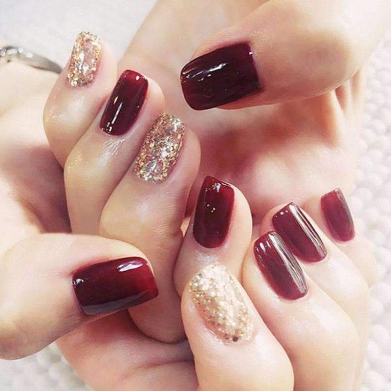 Classic glittering Magic Press Nail Manicure in Dark Red