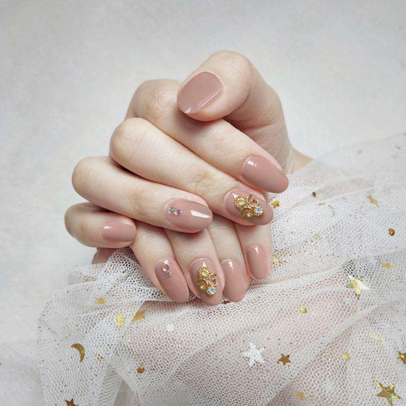 Honeymoon Magic Press On Nail Manicure