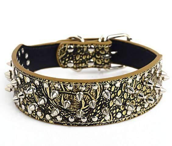 Chic Dog Collar with Bullet Skull