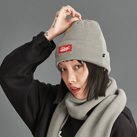 3 Colors Letter Patch Knitted Beanie gallery 3