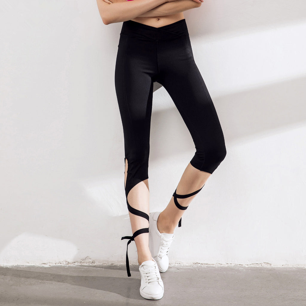 Solid Criss Cross Tie Up Capri Leggings