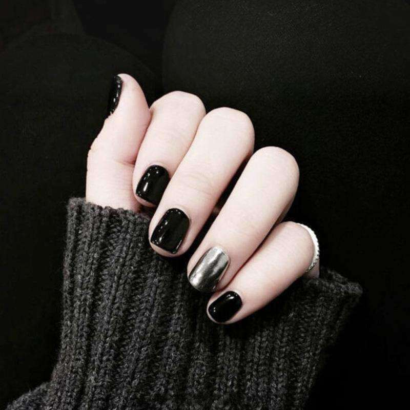 Black & Silver Magic Press On Nail Manicure