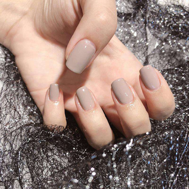 Chic Beige Gray Magic Press On Nail Manicure