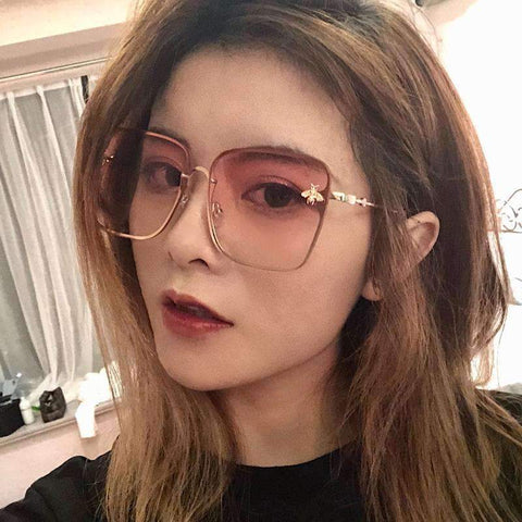Chic Square Shape With Butterfly Side Street Fashion Sunglasses gallery 8