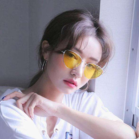 Vintage Triangle Transparent Resin Lens Fashion Sunglasses gallery 3