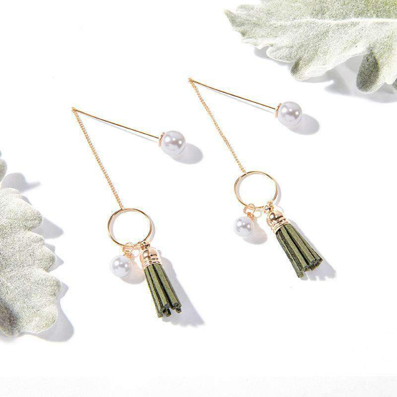 Elegant Leather Tassels Drop Earring With Pearl