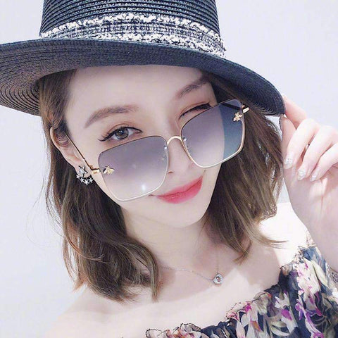 Chic Square Shape With Butterfly Side Street Fashion Sunglasses gallery 10