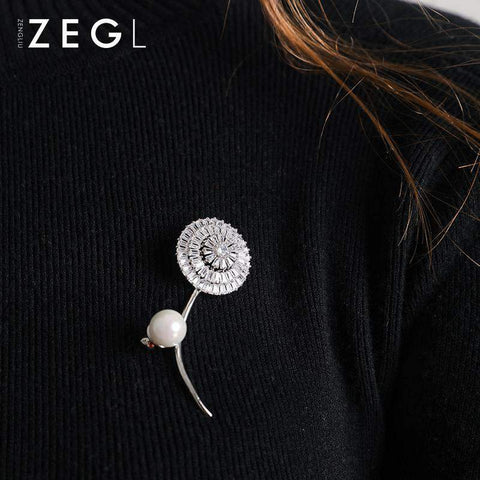 Crystal Flower and Faux Pearl Brooch gallery 4