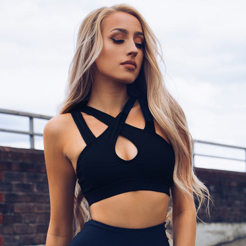 Sporty Strappy Detail Cropped Top