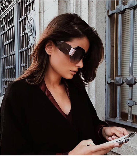 Chic Mirrored Flat Lens Wide Frame Sunglasses gallery 14