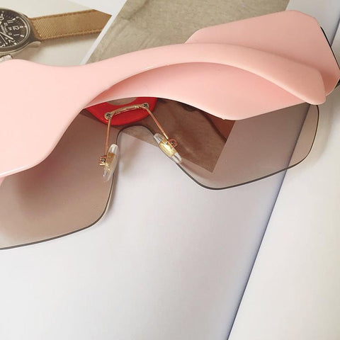 Chic Mirrored Flat Lens Wide Frame Sunglasses gallery 16