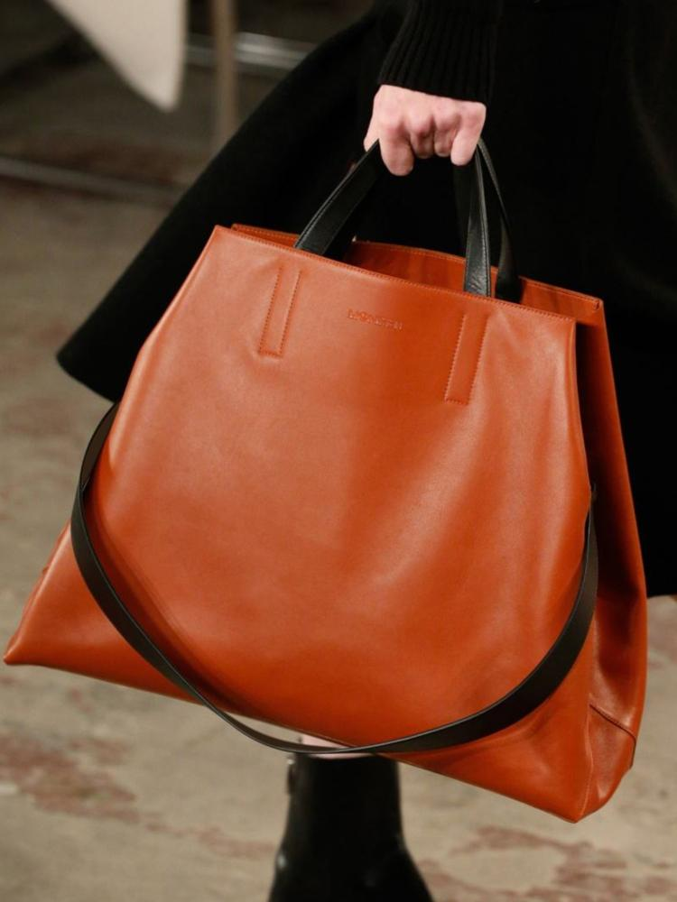 Light Soft Leather XL Tote Bag