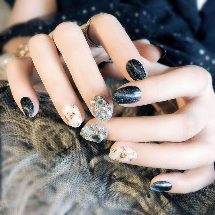 Black Cat Eye Shell Magic Press On Nail Manicure