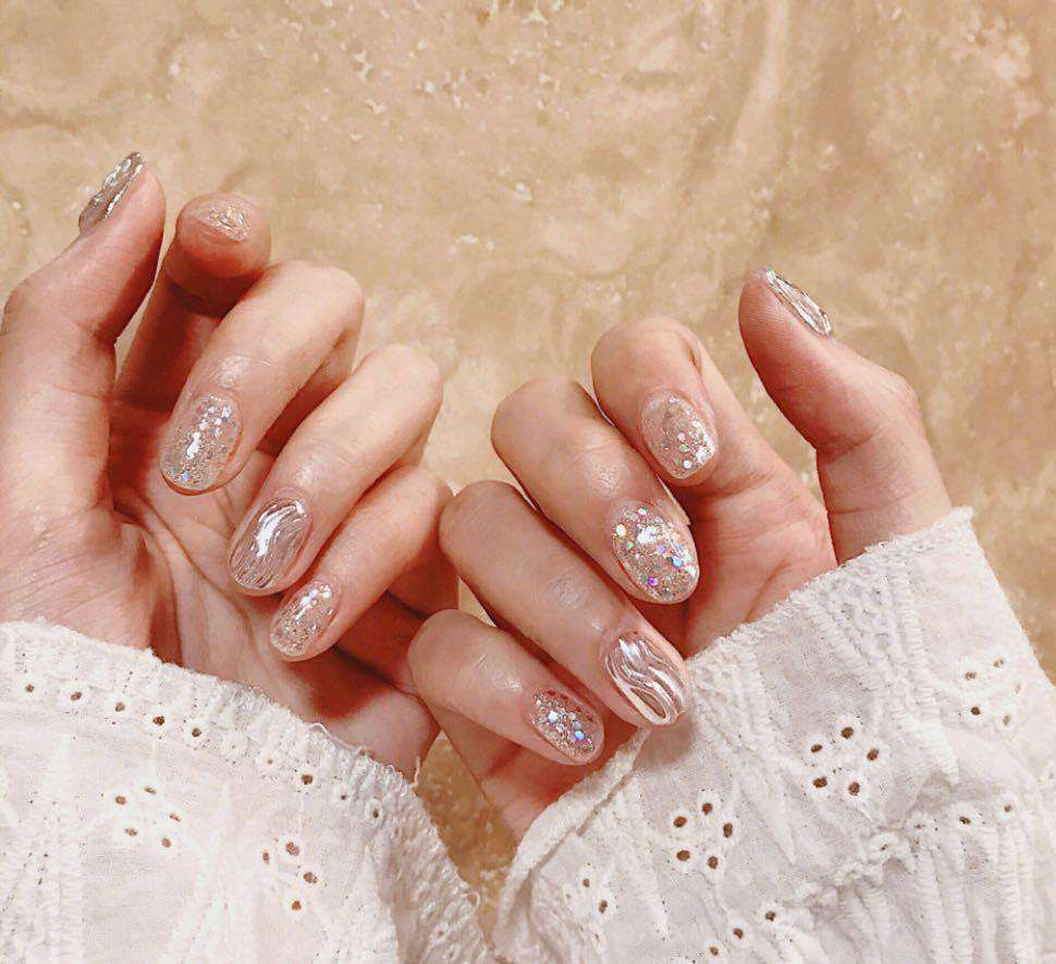 Morning Dew Magic Press On Nail Manicure