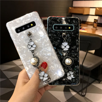Shell Pattern Samsung Case with Pearl Chain